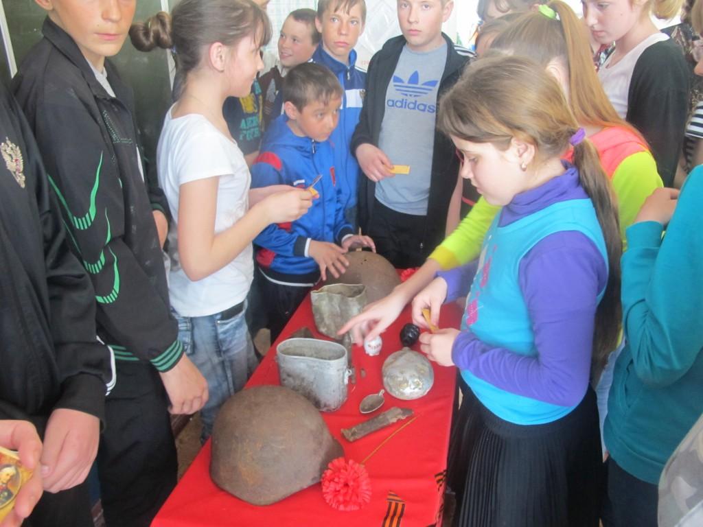 Ученики Алексеевской школы Здвинского района заинтересовались артефактами Великой Отечественной войны